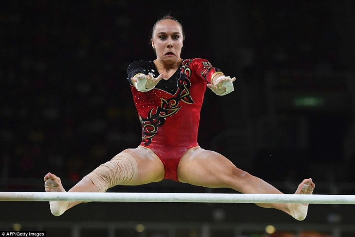 Mimici inedite ale gimnaştilor din timpul competiţiilor olimpice!